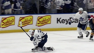 Gotta See It: Maple Leafs chase Lehner with 3 goals in 43 seconds