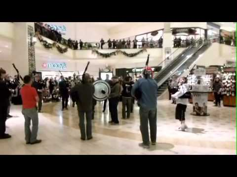 Bagpipes and Drums Flash Mob
