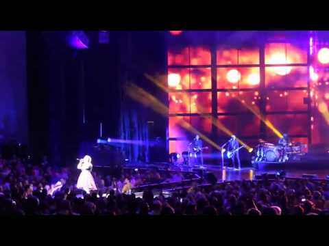 Let Your Tears Fall - Kelly Clarkson - Mansfield, MA 7/12/15