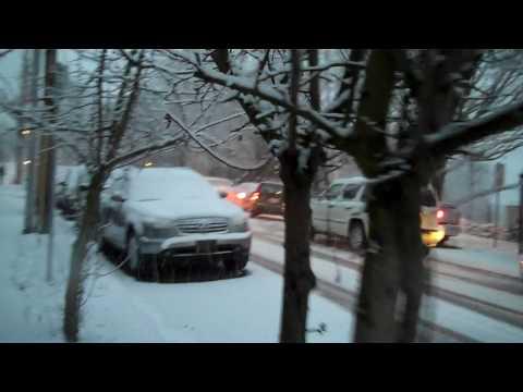 Portland, Oregon Snow Driving in Johns Landing (2009-12-29)