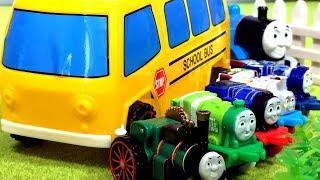 きかんしゃトーマス おもちゃ じこはおこるさ!はたらくくるまのバスや消防車がパトカー、電車の乗り物と交通事故だ