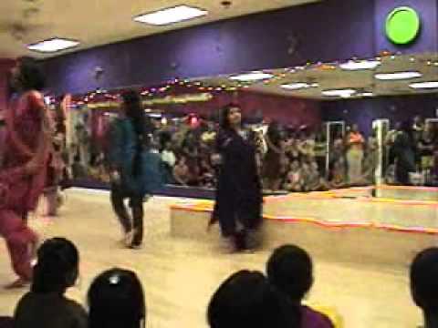 Bhumroo Mahi vay  Dance performances August 2010 Rough