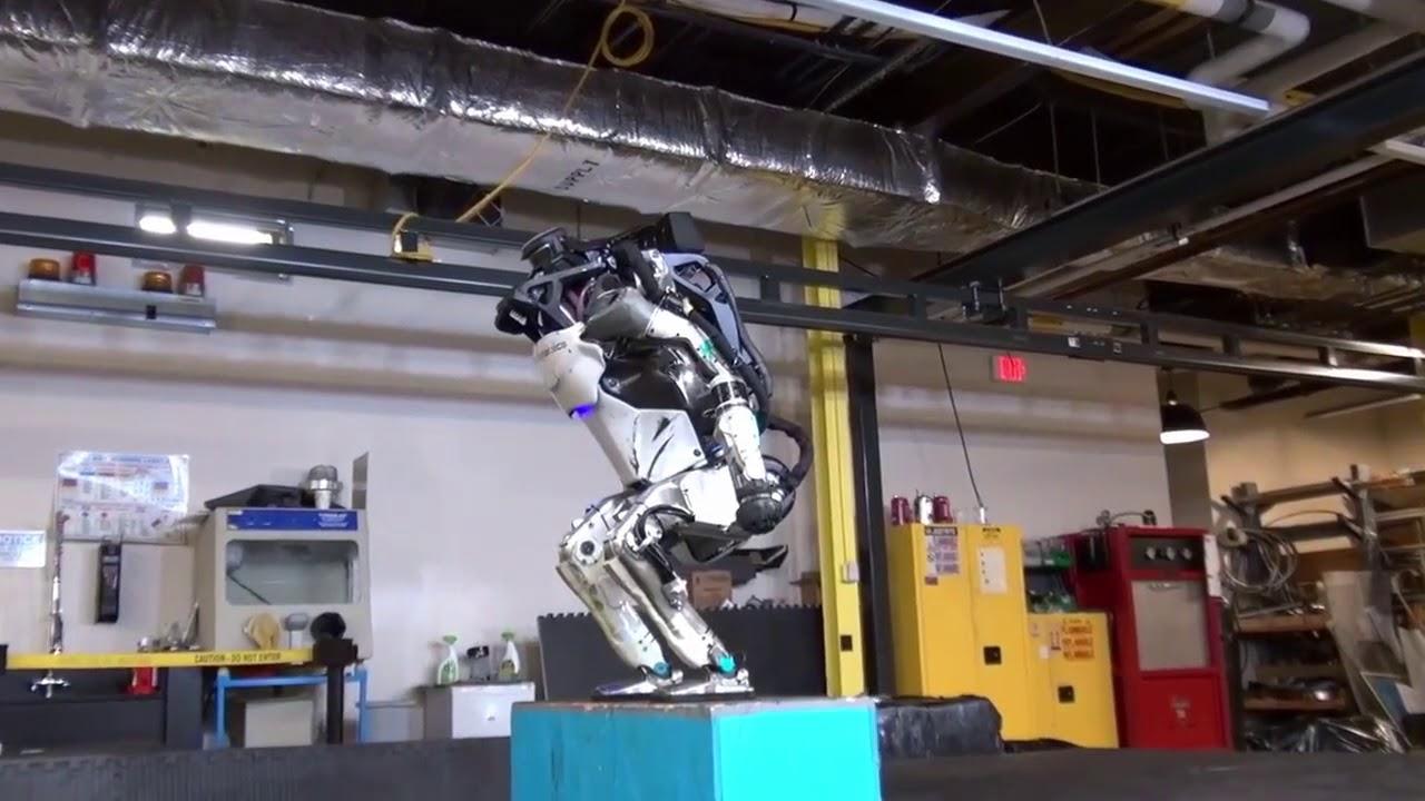 Как сделать своего робота в ютубе 12