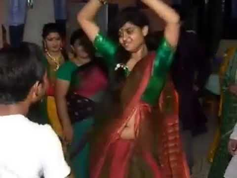 মাথা নষ্ট মামা এটা আমি কি দেখলাম   bangla  Girl Hot wedding dance 2017 thumbnail