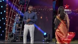 Shriya saran hot in Black saree at maa awards 2017(HD)