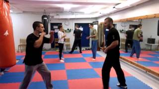 Wing Chun - How to counter knee attacks