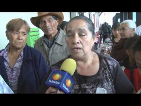 Comerciantes inconformes irrumpen presidencia municipal de Tenango