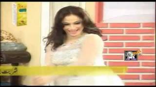 Nida Chaudhry Hot Mujra - Pyar Di Ganderi Choop Le - HD - 2011