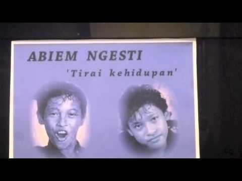 ABIEM  NGESTI  -  'Tirai kehidupan'.