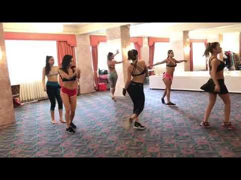 Famosas de Colombia bailando sexy