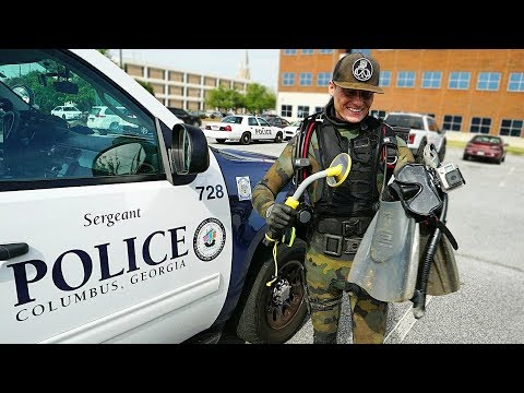 Helping the Police Find a Gun Underwater to Solve a Criminal Case! (Metal Detecting Underwater) thumbnail