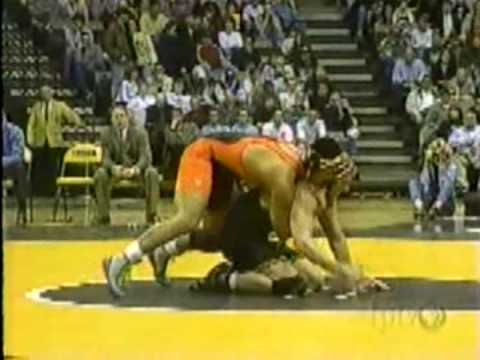 Lee Weber (Iowa) vs Mark Munoz (Oklahoma State) 2000 Dual meet 197 Video