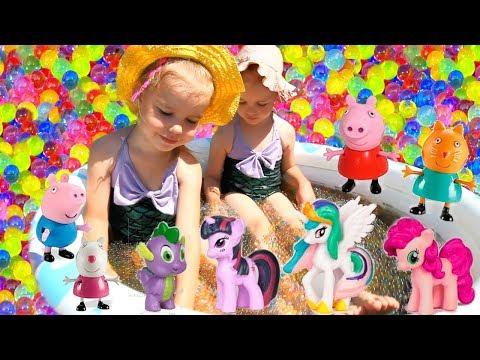 Челлендж Бассейн с ORBEEZ Ищем сюрпризы игрушки в разноцветных шариках Орбиз Challenge surprise toys