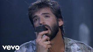 Watch Kenny Loggins Forever video