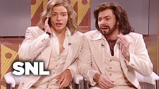 Download Lagu The Barry Gibb Talk Show: Bee Gees Singers - SNL Gratis STAFABAND