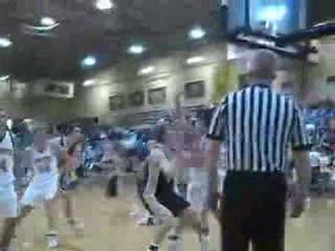 Game highlights from the December 21, 2006 meeting between the Washington Hatchets and Loogootee Lions, won by Washington, 53-38. Included in the highlights are coveted college recruit Tyler...