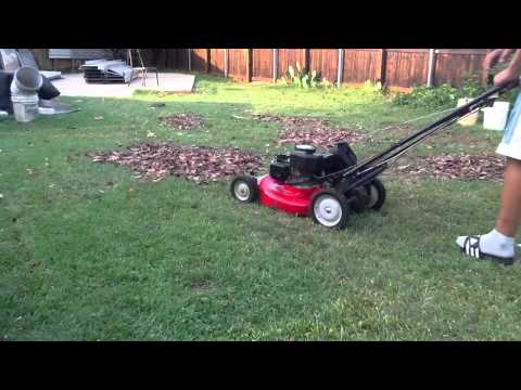 Snapper 21 commercial mower mulching leafs part 1
