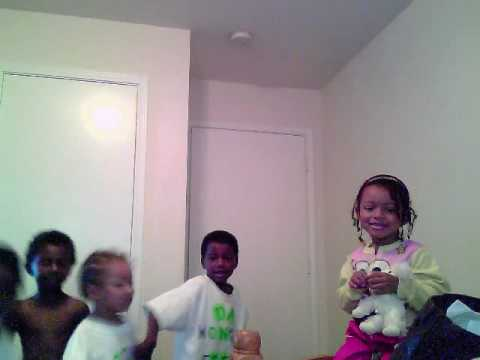monkey feet kids.wmv Video