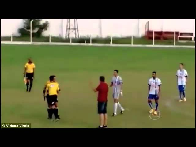 Referee Pulls Out A GUN Instead of a Red Card - Brazilian Football Match - 29 July 2015