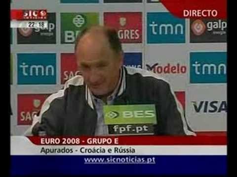 Scolari coloca repórteres portugueses no lugar deles