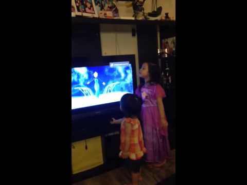 Let it go from the movie FROZEN cover by Chloe