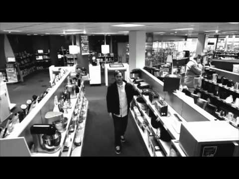 Smart Thief Caught on Cam