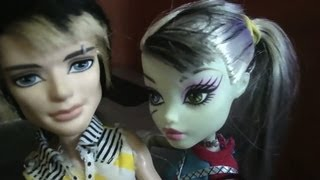 "MONSTER HIGH. FRANKIE & JACKSON. ""SALE EL SOL"""