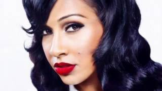 Watch Melanie Fiona What Am I To Do video