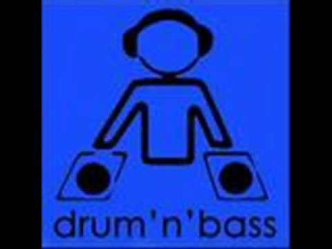 DRUM AND BASS - drum and brain