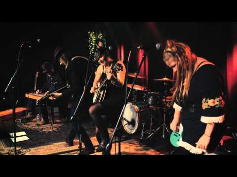 Download Lagu Greg Garing at the Basement East- Far Over The Sea MP3 Free