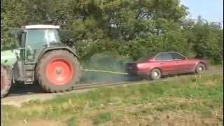BMW küzd egy Traktor ellen