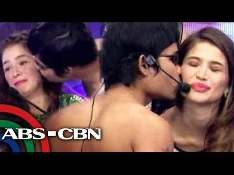 'Pacquiao' lookalike kisses Andi, Anne