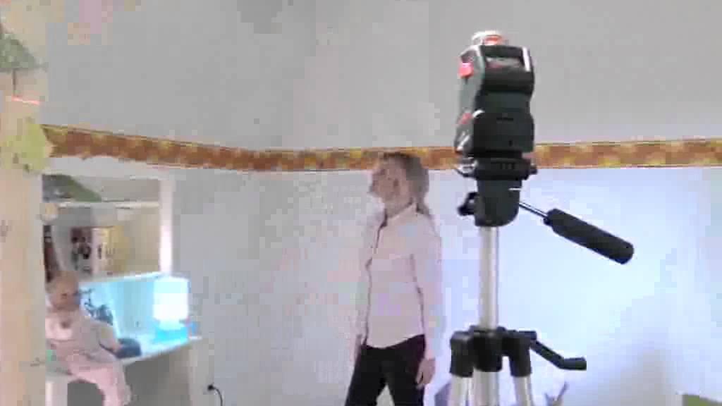 Nivela laser bosch pll 360 de la youtube for Laser bosch pll 360