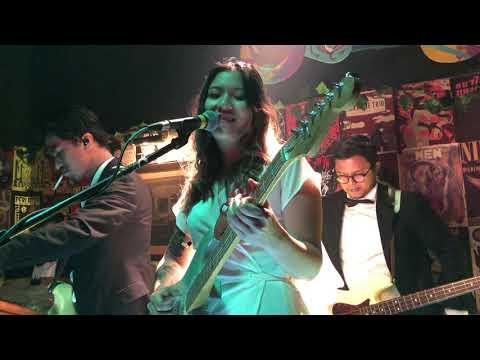 Download Danilla - Pinky/Thumb Live at Duck Down Bar, Jakarta 10/11/2019 Mp4 baru