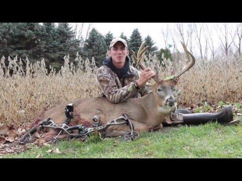 """162"""" Wisconsin Bow Buck Kill 2014"""