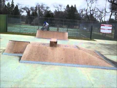 Redline Covet Park Sesh in the Aberdeen, SD Skatepark