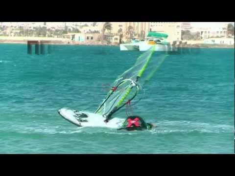 Dangerous crash in windsurfing