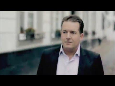 Stef Ekkel - Hopeloos (Officiële Videoclip)