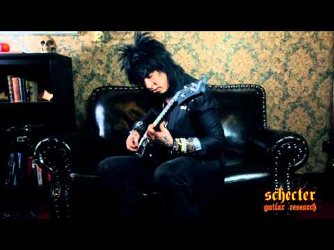 Nikki Sixx 2013 Schecter Interview