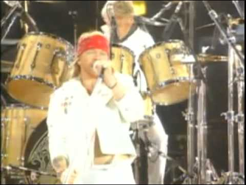GUNS N ROSES & QUEEN sing We Will Rock You
