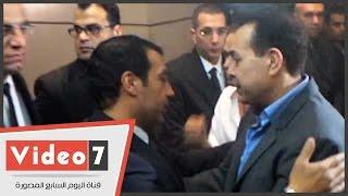بالفيديو.. أحمد عدوية وحكيم وشيرين وجدى فى عزاء والدة إيهاب توفيق