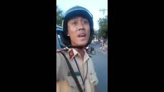 CSGT Bình Tân, đi làm ko đeo bảng tên, đòi kiểm tra hàng hóa trên xe, thái độ bố láo, chạy cong đít