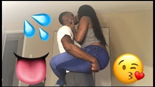 NO HANDS KISSING CHALLENGE!!😘💋
