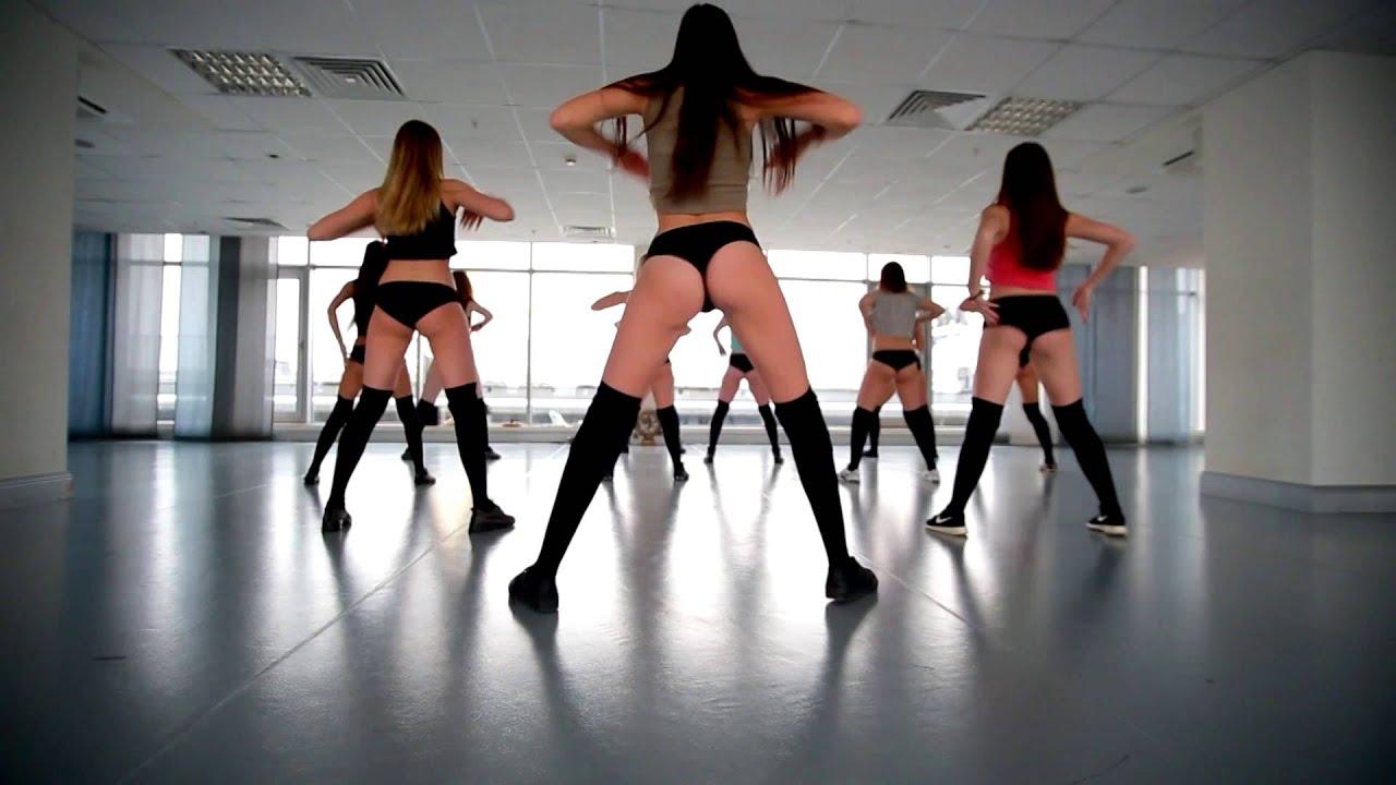 Видео как танцуют шлюхи положение