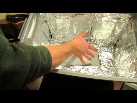 how to build a cheap grow light box for seed starting the rusted garden 2014 youtube. Black Bedroom Furniture Sets. Home Design Ideas