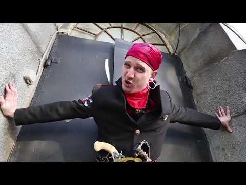 Съемка комедийного видео про пиратов