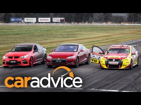 Tesla Model S drag races Holden V8 Supercar
