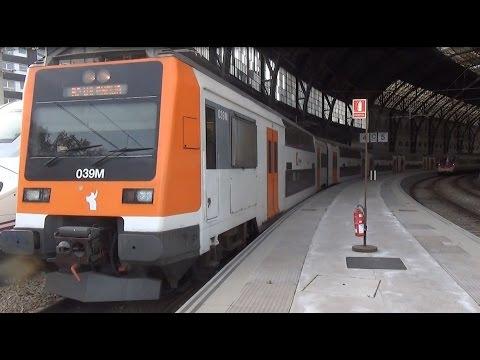 Renfe Rodalies 450 vertrekt uit Station Barcelona França