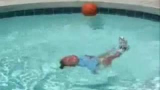 تتوقع ايش يصيرفي الطفل اللي يسبح هذا ؟