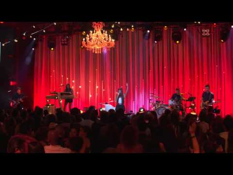 Christina Perri - Burning Gold - Live On The Honda Stage At The Iheartradio Theater La video